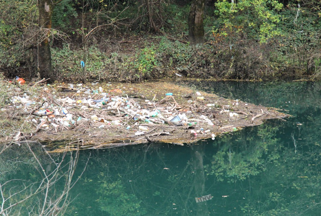 Ko je kriv za otpad: Zeta