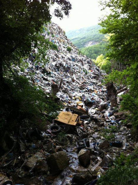 Neuređeno bivše gradsko smetlište Vasove vode - opština Berane
