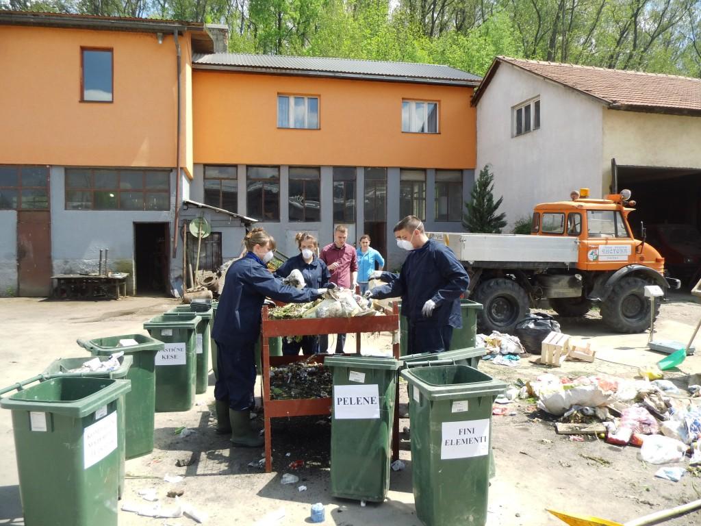 Detalj sa analize morfološkog sastava čvrstog otpada u opštini Pljevlja (Foto: OZON tim)