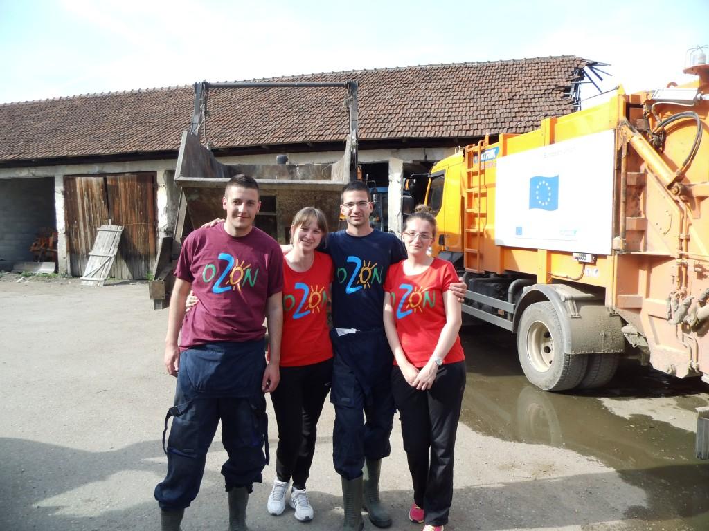Mobilna ekipa za analizu morfološkog sastava otpada Radovan, Jelena, Darko i Jasmina - heroji nedjelje (Foto: OZON tim)