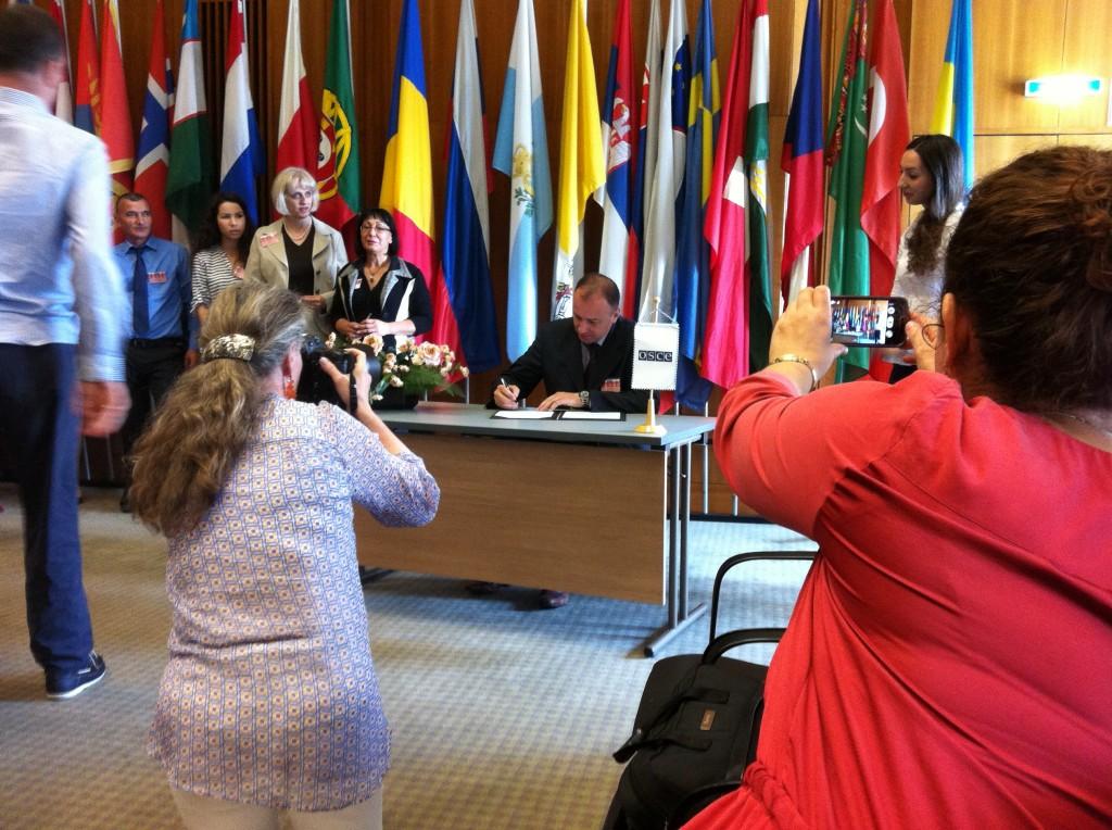 Detalj sa potpisivanja Zajedničke Deklaracije o saradnji Arhus centara JI Evrope